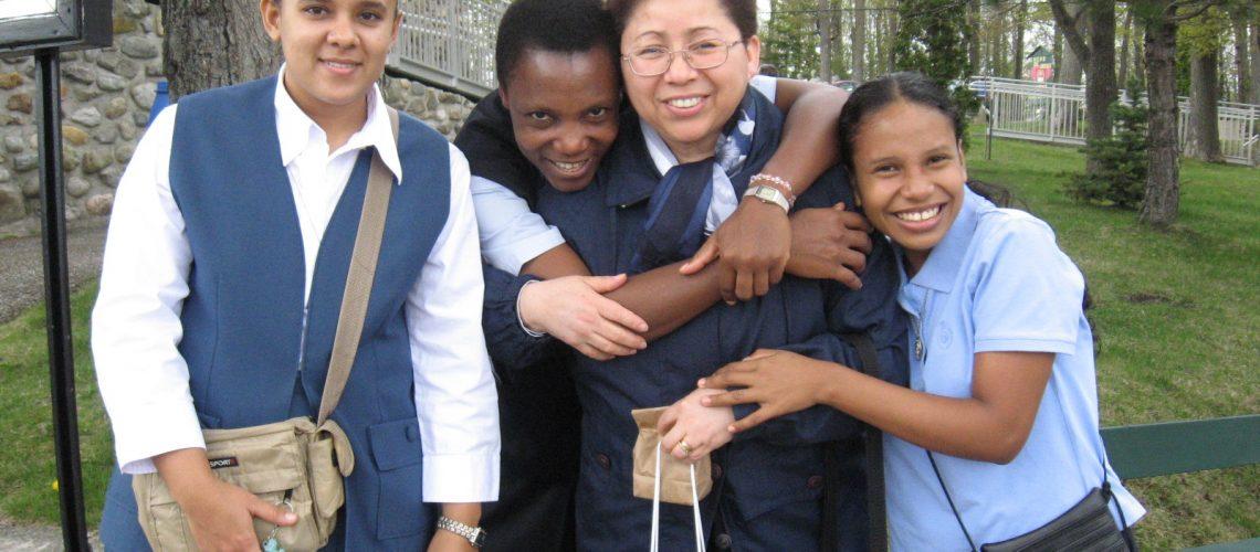 Primer grupo de noviciado internacional, Canada