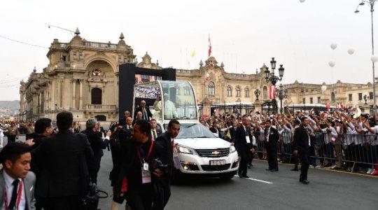 Papa a las autoridades de Perú: Unidos defiendan la esperanza