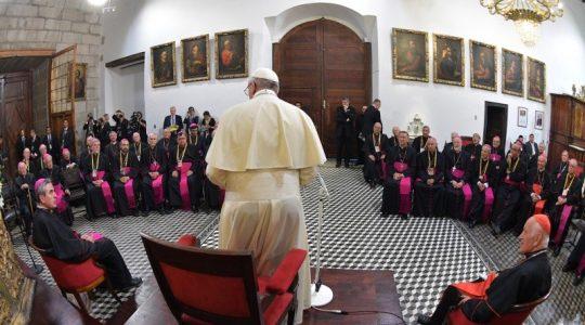 Papa Francisco Viaje apostólico a Chile Encuentros con los sacerdotes y los obispos 2018-01-16