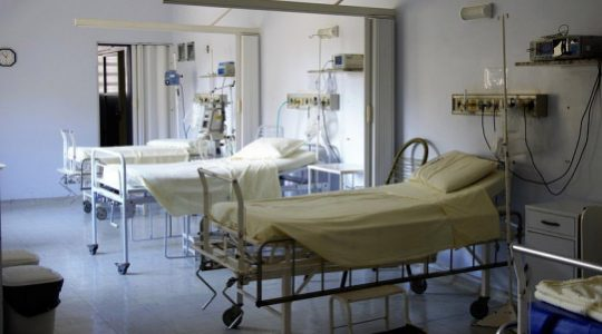 Vers l'imposition de la légalisation universelle de l'avortement et de l'euthanasie ?