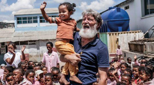Père Pedro : « Un chrétien doit imiter Jésus, l'ami des pauvres »