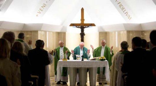 Pape François : un bon catholique doit se mêler de politique