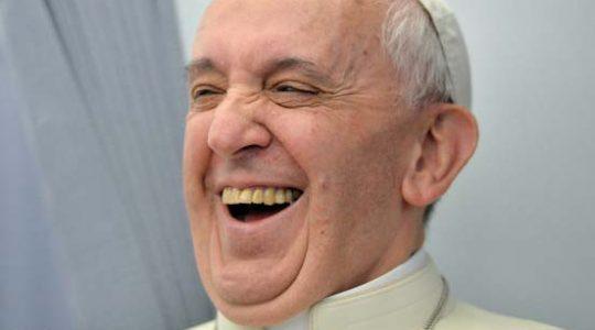 Savez-vous d'où vient la bonne humeur du Pape ?