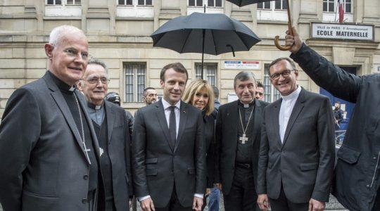 Emmanuel Macron veut réparer le lien « abîmé » entre l'Église et l'État