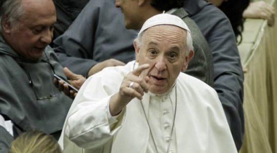 À Sainte-Marthe, le pape François a lancé une nouvelle mise en garde contre les