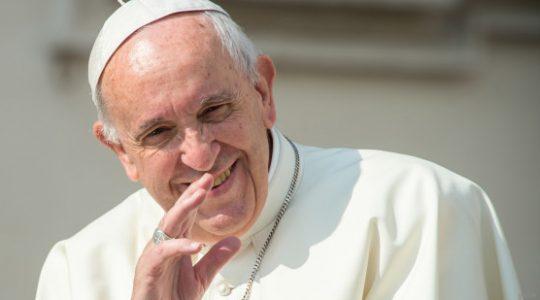 Savez-vous pourquoi le Pape dort si bien ?