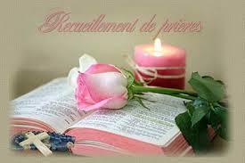Nous prenons ce temps de nous ouvrir à la présence du Seigneur et de Le chercher dans le silence.