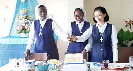 Profession temporaire de Thao, Brigitte et Édith